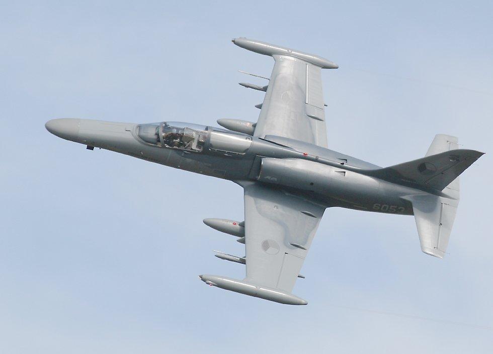aviones de guerra. vender aviones de guerra