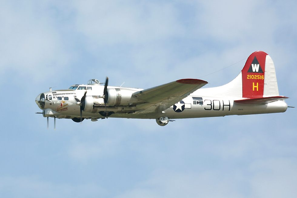 La photo du jour. B17At10oClock