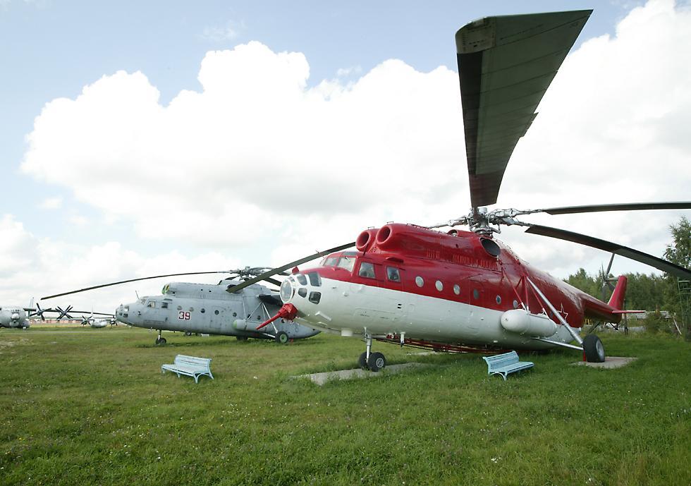 Aviones y helicópteros para combatir incendios