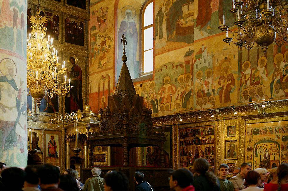 在克里姆林宫的圣母升天大教堂内