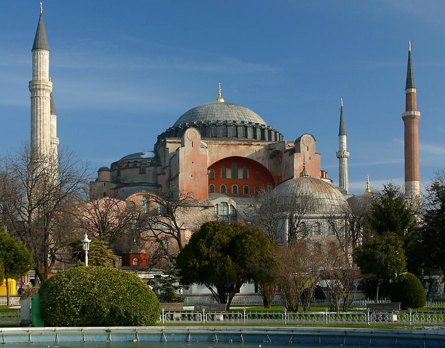 http://www.richard-seaman.com/Travel/Turkey/Istanbul/AyaSofya.jpg