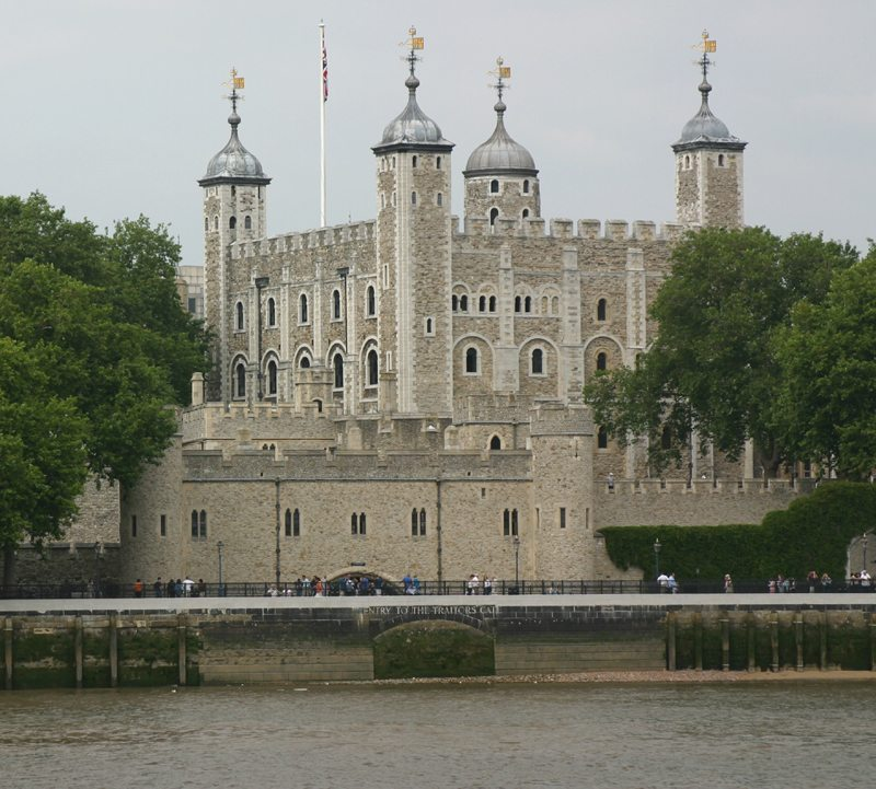 http://www.richard-seaman.com/Travel/UK/London/Highlights/DigitalTowerOfLondon.jpg