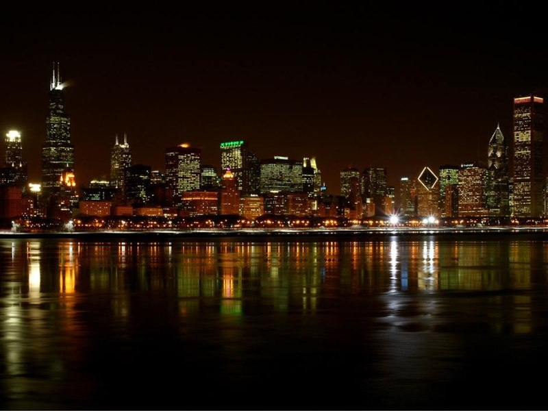 Chicago skyline at night (click here to open a new window with this photo in computer wallpaper format)