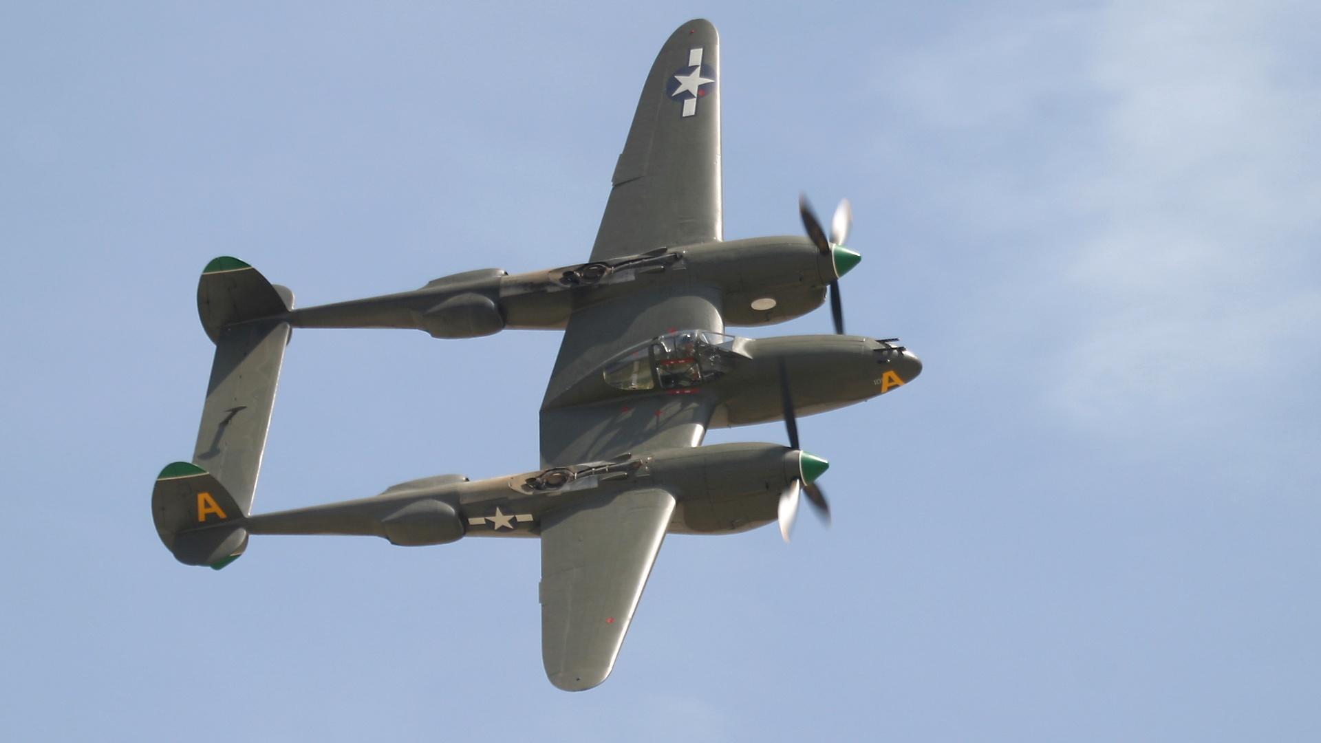 P 38 Lightning Fighter